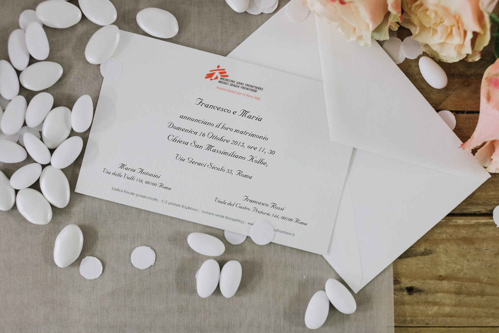 Partecipazioni Matrimonio Per Beneficenza.Partecipazione Con Busta Regali Solidali Medici Senza Frontiere