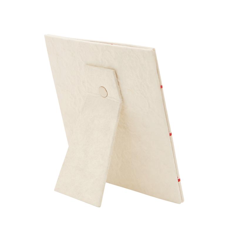 Cornice in carta di gelso con logo MSF