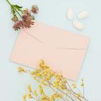 Partecipazione rosa con fiori colorati