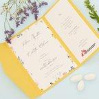 Partecipazione gialla con fiori colorati