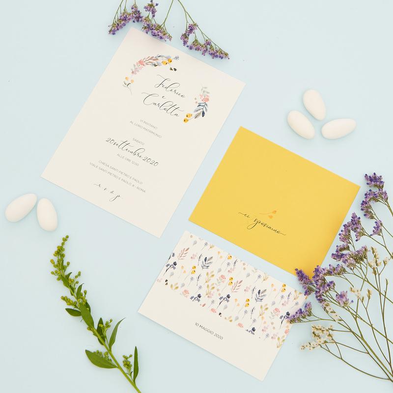 Partecipazione con invito e lista nozze floreale gialla