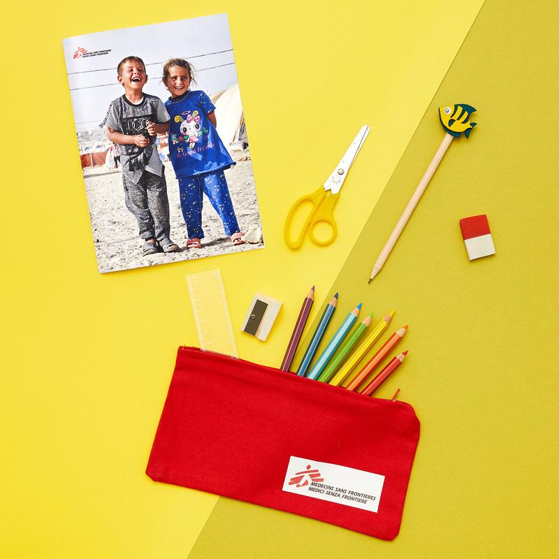 Kit scuola: astuccio, matita, quaderno